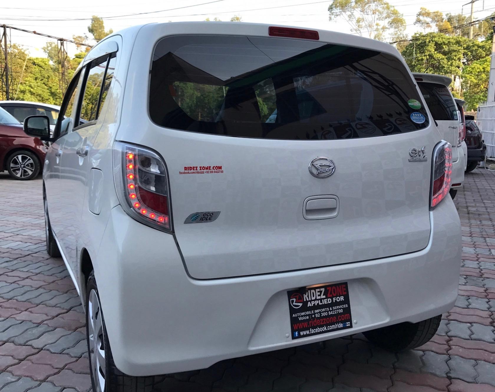 Daihatsu Mira E S Pearl White Model 2014 Imp 2017 12 000 Km